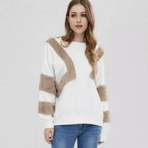 Faux fur sweatshirt white gray L Zaful crew neck